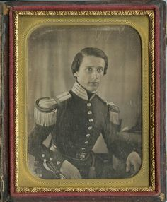 Artillery soldier Mexican War; daguerreotype. A very well-constructed uniform of the 1840s on a young fit man. The judicious use of padding (note the outward curve of the buttons) gives the illusion of a more manly  chest than he probably possessed.