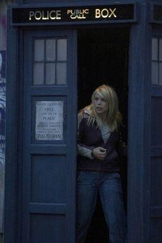 Strong Female Character Friday: Rose Tyler (Doctor Who) Doctor Who Rose, Doctor Who 2005, I Am The Doctor, Photo Rose, Tv Doctors, Strong Female Characters, Bbc Tv Series, Billie Piper, Don't Blink