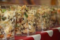 A gluténmentes quinoa saláta receptet a TESCO sajtótájékoztató résztvevői részére készítette a Büfé Budapest. A hozzávalók elérhetők a Tesco üzletekben Quinoa, Potato Salad, Potatoes, Vegetables, Ethnic Recipes, Budapest, Food, Potato, Essen