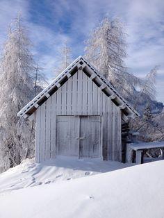 Monte Lussari - Friaul - Italien Four Square, Wonderland, House Styles, Home Decor, Hiking, Italy, Decoration Home, Room Decor, Home Interior Design