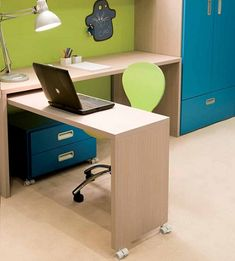Complete your kids bedroom design with good desk decorating ideas. Learn more about Desk Design Selection For Kids Bedroom Furniture to add your reference. Bedroom Furniture Sets Sale, Furniture Plans, Home Furniture, Furniture Design, Furniture Stores, Bedroom Ideas, Bedroom Toys, Furniture Dolly, Apartment Furniture