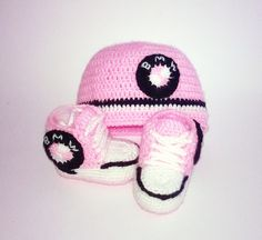 Baby Crochet Shoes, Pink Baby Set, Crochet Baby Hat, Baby Sneakers, Crochet Baby Sneaker, Baby Shower Gift, BMW shower gift, Gym Shoes by BABYCROCHETfashion on Etsy