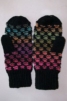 Ravelry: Newfoundland Mitts pattern by Gillian S. Needle size US Knitted Mittens Pattern, Knitting Wool, Knit Mittens, Knitted Gloves, Easy Knitting, Knitting Patterns Free, Crochet Patterns, Fingerless Gloves, Free Pattern