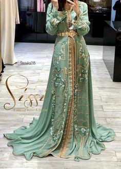 Black instead of mint Arab Fashion, Muslim Fashion, African Fashion, Kaftan Moroccan, Morrocan Dress, Arabic Dress, Abaya Style, Caftan Dress, Hijab Dress