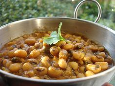 Vegetarian Recipes - » Chora nu shaak (black-eyed bean curry) - Radiance Recipes