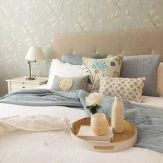 [ Event ]   Jo McComiskey, former Creative director at H&G + freelance stylist is styling up her Olinda home for a Guestroom | BnB | Boutique cottage  styling night.   Lots of lovely ideas + fizz + nibbles from #coonarasprings restaurant.