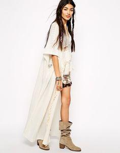 Agrandir Free People - Maxi cardigan style kimono à franges