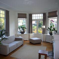 Mooie gordijnen met hoge borders, doorlopend op het raamkozijn van de serre. #gordijn #curtains #Gardinen #Vorhänge