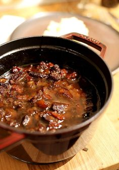 Food N, Food And Drink, One Pan Meals, Beef Recipes, Stew, Slow Cooker, Chili, Bbq, Meat