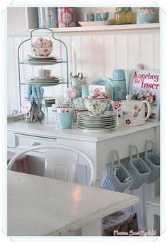 I'd love to hang the pretty baskets on the side of one of my pieces!