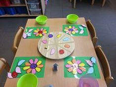 Juf Berdien: Bloemenspel draaischijf, verzamelen alle delen van de bloem om deze te vervolledigen flowergame Preschool colors turning