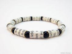 Armband aus upcycling Perlen Papierperlen von rAinbowcAraways