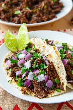 Slow braised, melt in your mouth tender beef barbacoa in a tasty sauce with spicy chipotle chilies that is perfect in tacos with diced onions and cilantro! Roast Recipes, Crockpot Recipes, Cooking Recipes, Healthy Recipes, Chuck Steak Recipes, Dinner Recipes, Barbacoa Taco Recipe, Beef Barbacoa, Mexican Food Recipes