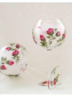 Taça pintada com rosas