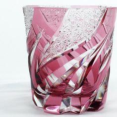 haku硝子 ロックグラス HOMURA 焔 / 金赤 - 日本工芸堂 Baby Car Seats, Glass Art, Modern Design, Porcelain, Ceramics, Crystals, Glasses, Glass Crystal, Bone China