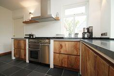 Ruw houten keuken   Maatwerk by JP Walker