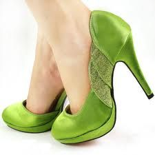 green wedding shoes designs (ideal with a thicker heel)