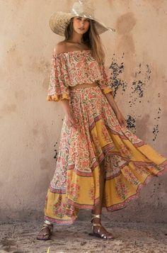 Bohemian Dressing for Boho Chic Style Lovers Gypsy Style, Boho Gypsy, Bohemian Style, Hippie Boho, Ibiza Style, Mini Frock, Boho Fashion, Fashion Dresses, Maxi Dresses