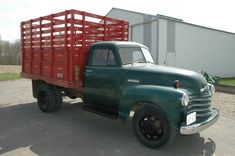 1951 Chevy Farm/Grain truck with orig. Vintage Chevy Trucks, Antique Trucks, Chevrolet Trucks, Gmc Trucks, Tow Truck, Classic Trucks, Classic Cars, My Horse, Horses