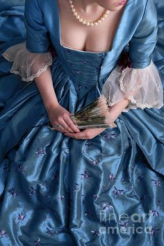 georgian-woman-in-a-blue-silk-dress-lee-avison.jpg (465×700)