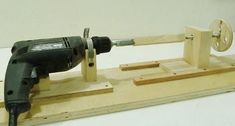 Make a 'Desktop' Mini Lathe With an Old Power Drill #woodworktechniques