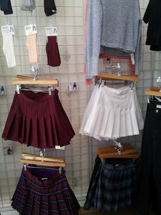 skirt, grunge, and clothes resmi