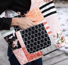 Pretty patchwork makes the Summer Sac Kit shine! Enhance your sewing skills as you create this cute bag using the included Nellie's Needles pattern and a charming array of classic prints. Use this pretty purse for running around town, shopping at the farmer's market, or carrying your sewing essentials to class.