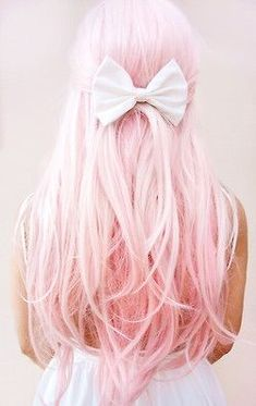 75 Crazy Pastel Hair Color Ideas For Unique Hairstyles When I see all those crazy hair colors, it always makes me jealous. I love this crazy hair color that is so pretty! Color Del Pelo, Dye My Hair, Unique Hairstyles, Pink Hairstyles, Scene Hairstyles, Short Hairstyles, Mermaid Hair, Rainbow Hair, Rainbow Pastel