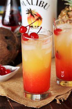 Drinks With Grenadine, Fruity Alcohol Drinks, Pineapple Drinks, Alcohol Drink Recipes, Yummy Drinks, Easy Fruity Mixed Drinks, Easy Fruity Cocktails, Malibu Pineapple, Pineapple Upside