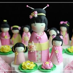 when I was a child, one Christmas I received a Chinese doll that looked like the Chinese girl who appeared on the Ed Sullivan show...she wore a green outfit and had black braided hair.