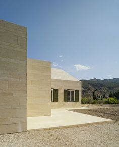Elvira House by Pepa Díaz | HomeDSGN, a daily source for inspiration and fresh ideas on interior design and home decoration.