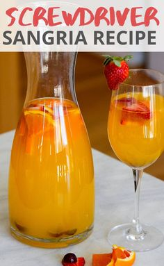 This screwdriver sangria combines two of our favorite drinks! Forget the mimosa and some a pitcher of screwdrivers sangria at your next brunch! If you're looking for easy sangria recipes, look no further! Brunch Drinks, Cocktail Drinks, Fun Drinks, Gold Drinks, Party Drinks, Mixed Drinks, Healthy Drinks, Cocktails, Citrus Sangria Recipe