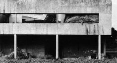 LC, Villa Savoye used as a stable.