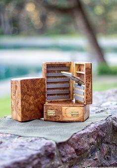 cajas hechas a mano de madera de pesca con mosca