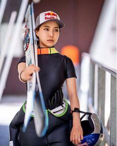 Sara Takanashi, Ski Jumping, Beautiful Asian Women, Asian Woman, Skiing, Baby Strollers, Nfl, Celebs, Japan