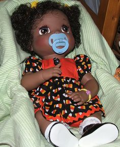 Hasbro Baby Alive animated african american doll by have a baby alive doll somewhere in the garage, lol. Real Baby Dolls, Black Baby Dolls, Baby Alive Dolls, African Dolls, African American Dolls, New Dolls, Barbie Dolls, Doll Toys, Pretty Dolls