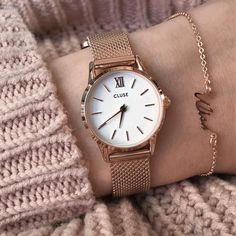 Do you have a love for rose gold and extremely stylish accessories?  Then our La Vedette Mesh Rose Gold/White is exactly what you need  #CLUSE #beLaVedette