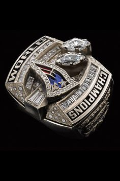 Super Bowl rings: Check out the championship bling from every winner. 2003 New England Patriots Patriots Superbowl, Nfl Football, Nba Basketball, Baseball, American Football, Football Helmets, Super Bowl Xxxviii, Super Bowl Rings, Championship Rings