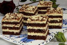 Chałwowiec to pyszne przekładane ciasto czekoladowe, które z powodzeniem można postawić na świątecznym stole. Piekąc ciasto w tortownicy, można zrobić tort, kremu chałowego jest wystarczająco dużo nie tylko na przełożenie ciasta, ale również na ozdobienie boków i wierzchu. Pomimo użycia dużej ilości chałwy, masa nie jest zbyt słodka, więc ciasto przypadnie do gustu nie tylko … Baking Recipes, Cake Recipes, Unique Desserts, Cookie Pie, Polish Recipes, Cookie Decorating, Sweet Recipes, Food And Drink, Sweets
