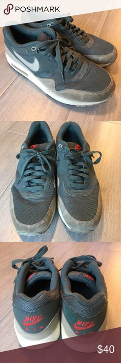 Nike Air Max Men's Sneakers Nike Air Max men's sneaker -- size 9 -- Gently worn. See photos for condition. Smoke free pet free. Nike Shoes Sneakers