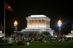 800px-Ho_Chi_Minh_Mausoleum-original-5