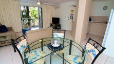 Paradise Grove Holiday Apartments - 2 Bedroom Apartment Dining Area - Burleigh Heads Family Accommodation