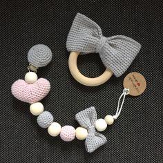 speenkoord 9,50 en bijtring 7,50 Handmade gehaakte babyspulletjes  van mooie kwaliteit katoen, eco en babyvriendelijke houten ringen en kralen