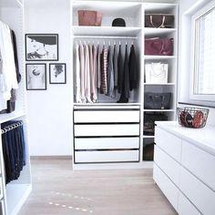 "Ikea ""Pax"" walk-in-closet - Room Decoration İdeas Wardrobe Room, Closet Bedroom, Bedroom Decor, Ikea Bedroom Design, Ikea Pax Wardrobe, Ikea Pax Closet, Bedroom Ideas, Walk In Closet Ikea, Open Closets"