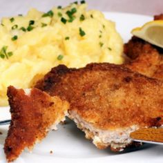 Spicy Fried Chicken Cutlets Recipe Fried Chicken Cutlets, Chicken Cutlet Recipes, Spicy Fried Chicken, Kosher Recipes, Cooking Recipes, Beef Dishes, Yummy Food, Delicious Recipes, Food And Drink