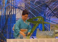 タイ国王妃の誕生日を祝うイベントで大作制作とデモンストレーション 2013年8月バンコク・エンポリアム百貨店 #ikebana #sogetsu