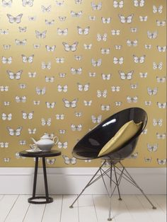 We love this #butterfly #wallpaper design called Papillio by Carlucci di Chivasso