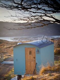 Beautiful and boutique glamping on the stunning Isle of Skye. Actually not so much glamping as Skamping...  www.landscapes365.com