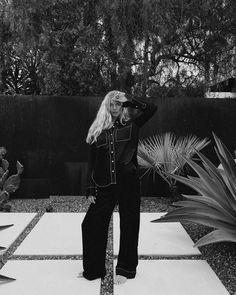 """Marie von Behrens on Instagram: """"Anzeige / pjs outside 🖤 @shopbop #shopbop"""" Marie Von Behrens, Black And White, Cool Stuff, Instagram, Simple, Videos, Women, Fashion, Moda"""