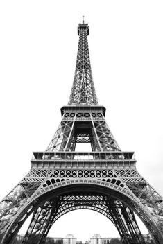 By Wonderwall Studio Artist Erica Singleton Black And White Photo Wall, Black And White Posters, Black And White Wallpaper, Black And White Pictures, Retro Wallpaper, Print Wallpaper, Victoria Tornegren, Eiffel Tower Photography, Eiffel Tower Drawing
